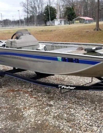 lot-34-fisher-17-ft-dominator-boat2