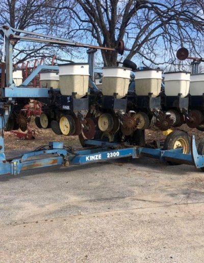 lot-48-kinze-2300-planter4