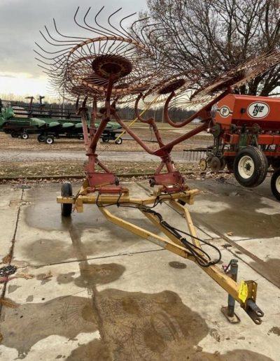 lot-81-10-wheel-v-hay-rake1