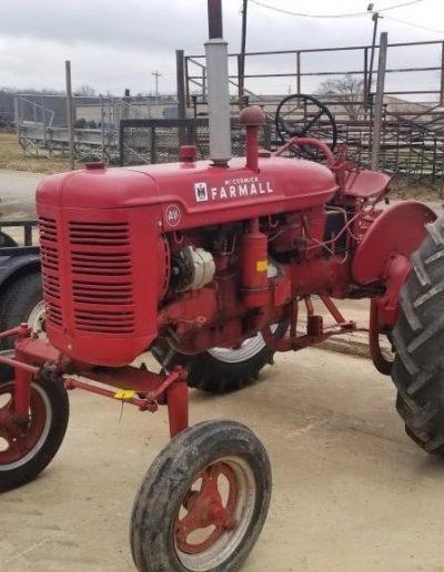 lot-98-mccormick-farmall-av-cultivision2