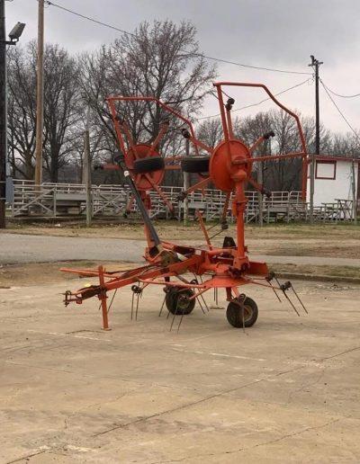 lot-99-kuhn-4-basket-hay-tedder